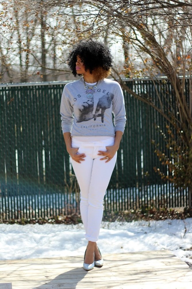 Alicia Gibbs: What to Wear with Holographic Shoes: White Jeans + Graphic Sweat Shirt #ChicaFashionBlog