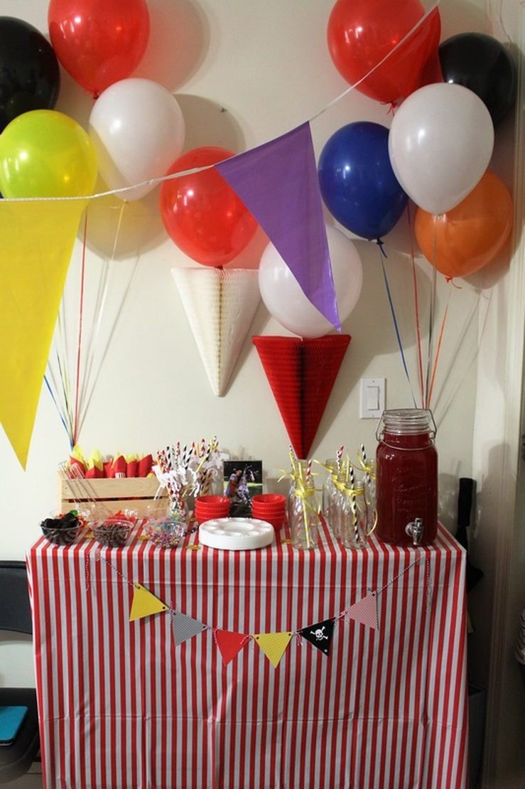 Aarlen's 3rd Birthday: Pippi Longstocking Party - Ice Cream Bar + Drinks #chicafashionblog