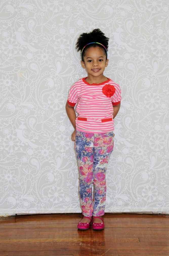 Kids Fashion Friday's: Striped Sweater + Floral Skinny Jeans #ChicaFashionBlog