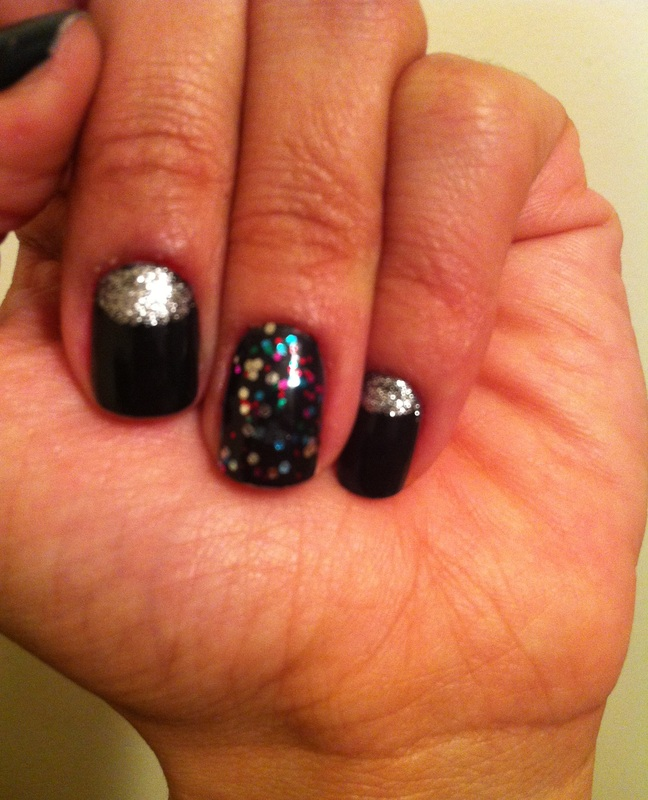 fashion_silver_glitter_half_moon_mani