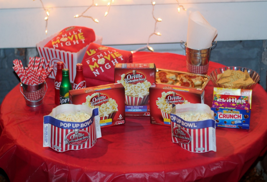 Everything you need for a Fall Backyard Movie Night #PopcornPartyTime