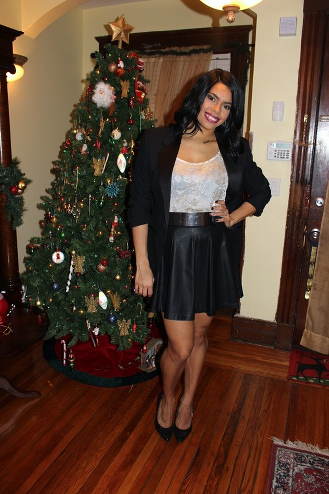 Alicia Gibbs: New Year's Eve: Tuxedo Blazer + Faux Leather Skater Skirt #ChicaFashionBlog