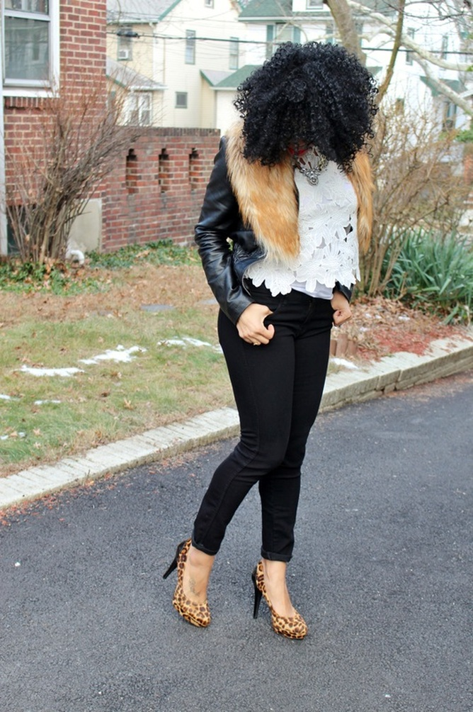 Alicia Gibbs: Faux Fur Collar, Crochet Top + $10 Skinny Jeans #ChicaFashionBlog