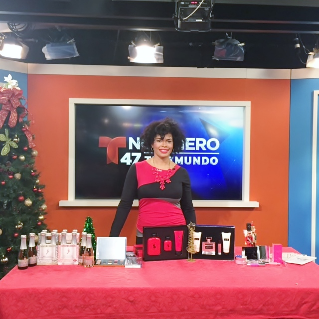 Alicia Gibbs: Telemundo Holiday Gift Guide Segment #chicafashionblog