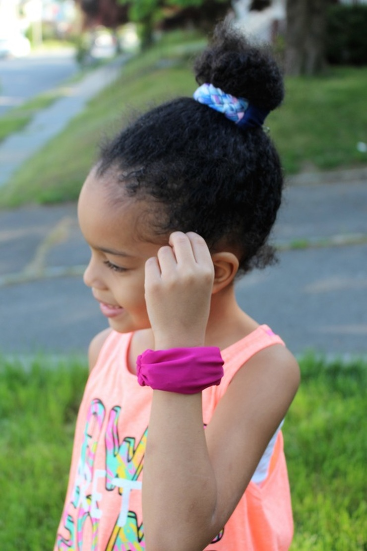 Review: Scünci Fashionably Fit 2-in-1 Hair + Wrist Band #chicafashionblog