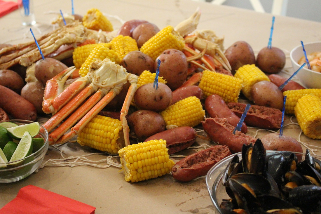 Alicia Gibbs: Joe's Crab Shack at Home: How to Host a Crab Boil #chicafashionblog