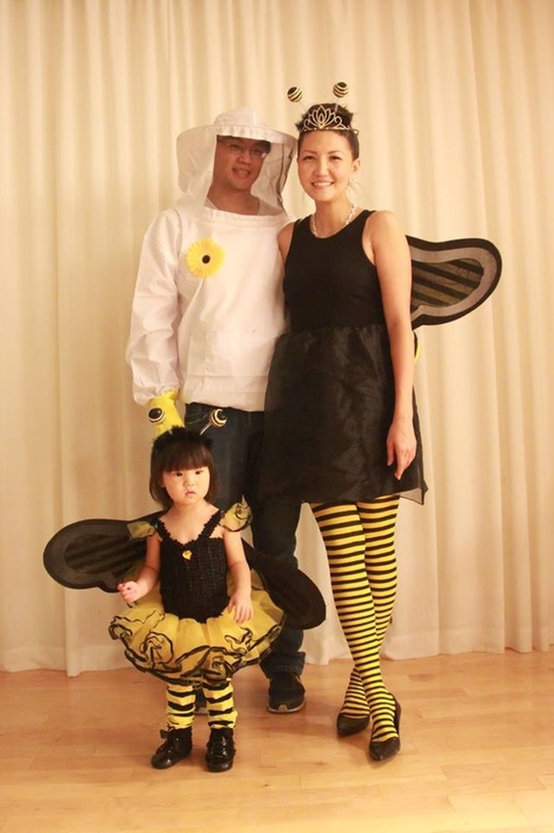 Alicia Gibbs: 12 DIY Family Themed Costumes - Bee keeper and bumble bees