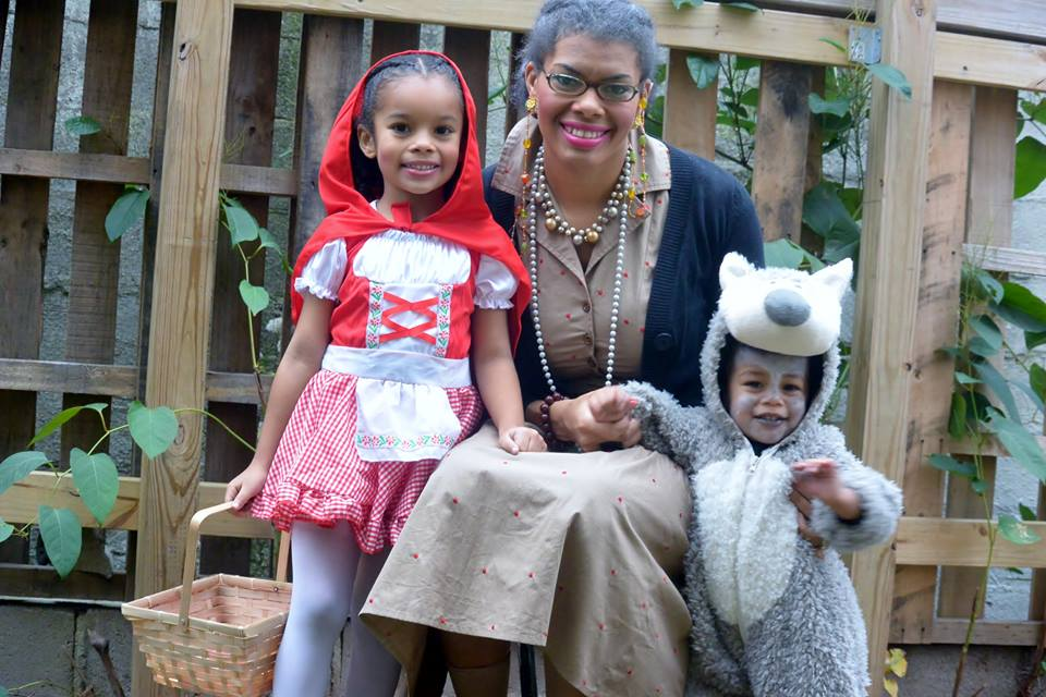 Alicia Gibbs: 12 DIY Family Themed Costumes - Little Red Riding Hood